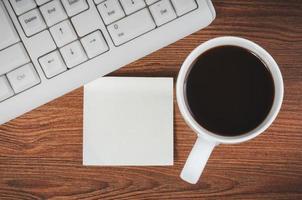 Aufkleber und die Tasse Kaffee foto