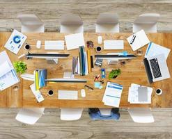 unordentliches Büro ohne Leute