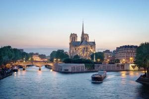 notre dame de paris, frankreich
