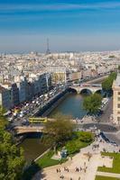 Blick auf Paris von der Kathedrale von Notre Dame foto