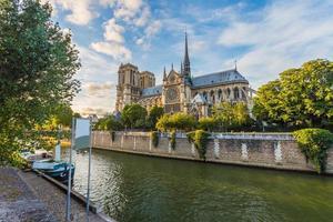 die kathedrale von notre dame in paris, frankreich foto