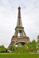 Eiffelturm und seine Umgebung foto