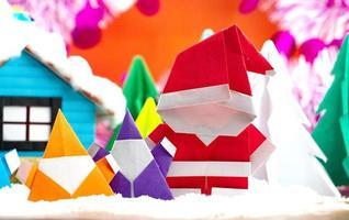 Weihnachtsmann Familie auf Schneefeld foto