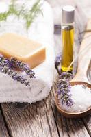 Seife mit Lavendelblüten foto