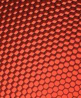 Nahaufnahme des schwarzen Netzes. Rotlicht. foto