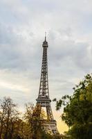 Pariser Skyline mit Eiffelturm foto