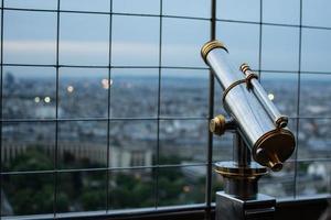 Paris in der Abenddämmerung, vom Eiffelturm aus gesehen
