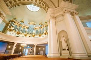klassisches Interieur der Kathedrale von Helsinki foto