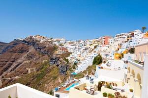 Luftaufnahme der Stadt Fira. Thira (Santorini), Griechenland. foto