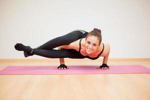 Spaß mit Yoga haben foto