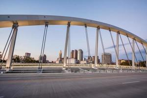 Innenstadt Columbus Ohio Hauptstraße Brücke Skyline Scioto River HDR