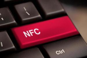 Computertastatur mit NFC-Technologie foto