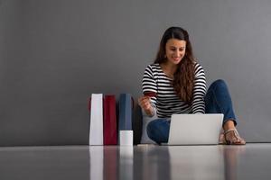 Online-Einkäufe bezahlen foto