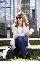 lächelndes Geschäftsfrauenporträt foto
