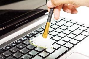 Computer reinigen. foto
