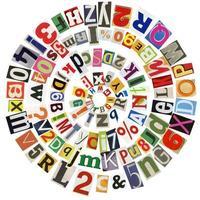 Montage des Alphabets in einer Spirale aus Ausschnitten foto