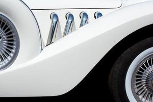 Elemente eines weißen Autos foto