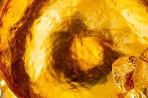 große goldene buddha goldleaf Dach buddhistische Kultur und Lebensstil foto