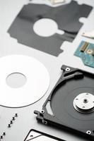 zerlegte Laptop-Festplatte foto