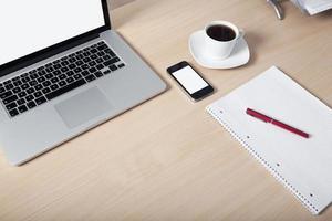 Schreibtisch Laptop Handy foto