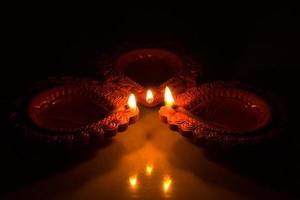 schöne Diwali Kerzen foto