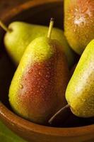 grüne organische gesunde Birnen
