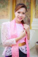 Porträt schönes Mädchen Thai-Mon Kleid foto