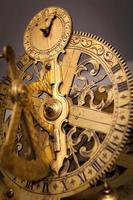 Vintage Uhr Zahnrad, geschäftliche Zusammenarbeit, Teamwork und Zeitkonzept foto
