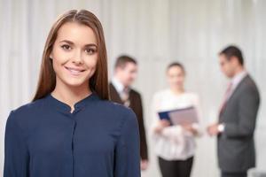 Geschäftsfrau beim Treffen foto