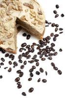 Kaffeekuchen mit frischen Bohnen foto