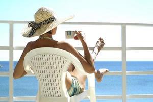 Frau mit Hut foto