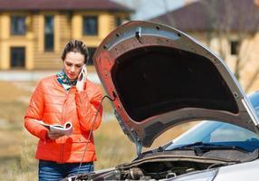 Mädchen und Auto foto