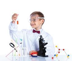 junger begeisterter Chemiker foto