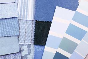 Auswahl an Wandteppichen und Polsterfarben foto