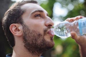 Läufer Trinkwasser foto
