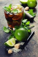 frisches Mojito-Getränk foto