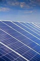 Solarpanel Stromerzeugung grüne Wirtschaft foto