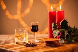 Weihnachtsessen und -getränk foto