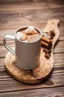 Kakaogetränk mit Marshmallows
