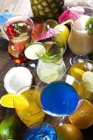 frisches Getränk mit Früchten foto