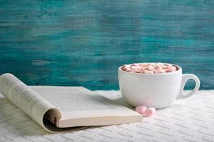 heißes Schokoladengetränk mit Marshmallow