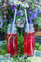 Beerenlimonade - kühles Sommergetränk foto