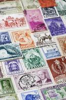 Vielzahl von Briefmarken foto