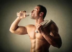 Trinken nach dem Training foto