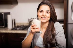 Ich trinke gerne Milch foto