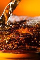 Detail eines alkoholischen Getränks foto