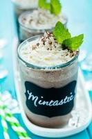 mintastisches kaltes Getränk foto
