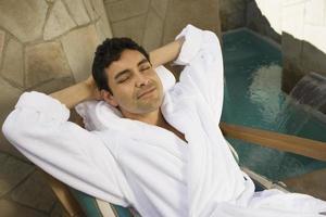 Mann entspannt