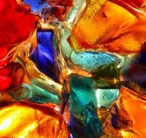 Nahaufnahme des hinterleuchteten gebeizten abstrakten Glasmusters