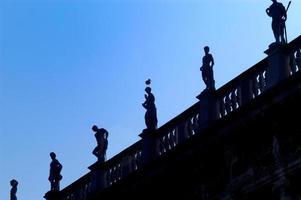 esculturas en la biblioteca marciana, venecia, italia
